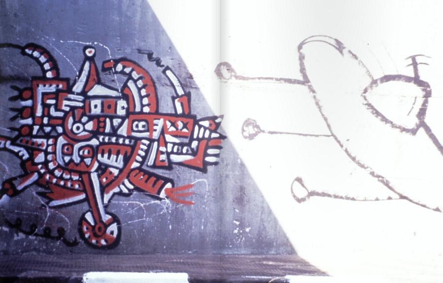 Tupinaoda-Saída-do-túnel-da-Paulista-com-a-Rebouças-1987-máquina-de-Jaime-Prades-e-disco-voador-de-Alberto-Lima