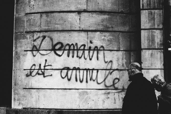 demain-est-annule-paris-loi-du-travail-graffiti-2016